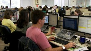 Internet deve ser usada com cautela por candidatos e profissionais